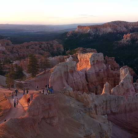 Agence de voyage d 39 aventure canada tats unis chinook for Cabine vicino a bryce canyon