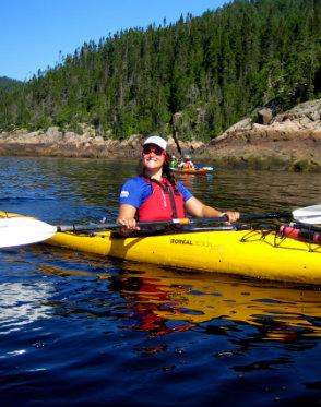 Elsa-Ross-guide d'aventure - kayak de mer - randonnée pédestre