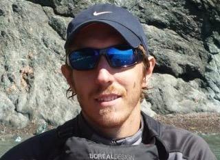 Julien Conte guide randonnée pédestre - kayak de mer - raquettes - chinook aventure